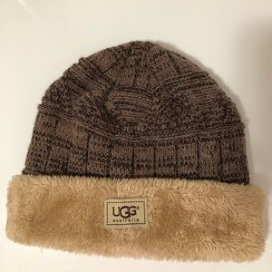 UGG beanie with faux fur lining.